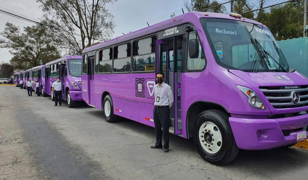 Dan banderazo a 108 buses Marcopolo para alimentadoras del Cablebús