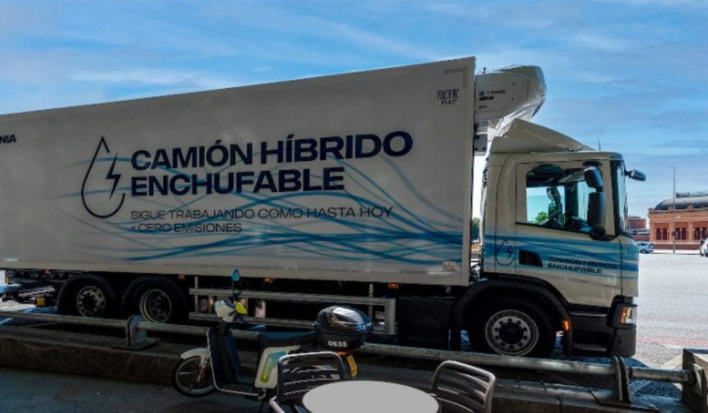 Scania pone a prueba camión híbrido enchufable en España