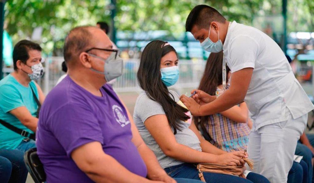 Gobierno de AMLO refuerza vacunación en Chiapas
