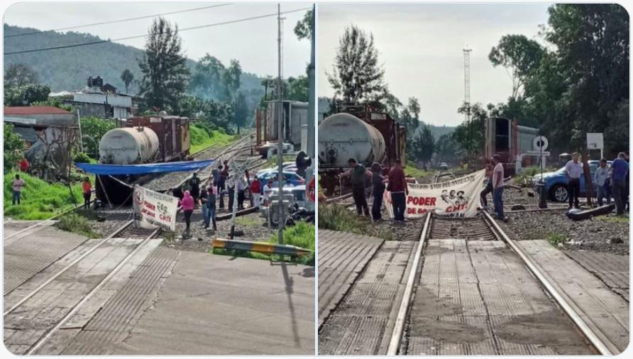 Maestros toman casetas en Michoacán, dañan vehículos