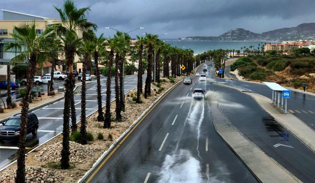 Lluvias afectan circulación en carretera de Los Cabos