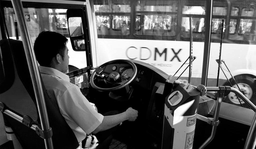 Sugieren crear base datos de operadores para combatir robo a transporte público