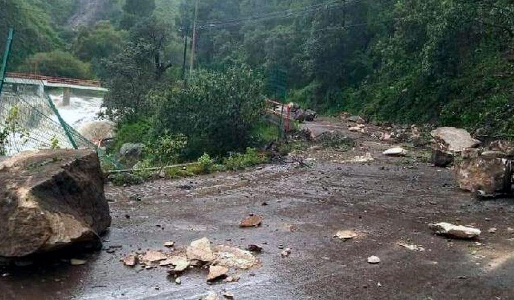 Lluvias provocan deslave en carretera El Oro–Temascalcingo