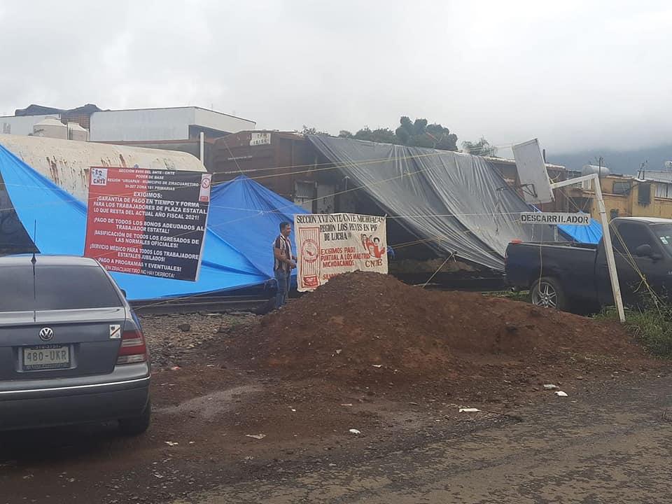 Bloqueo a las vías en Michoacán, un tema político que genera pérdidas millonarias