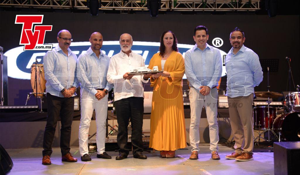 Freightliner felicita a Canacar por su nuevo presidente