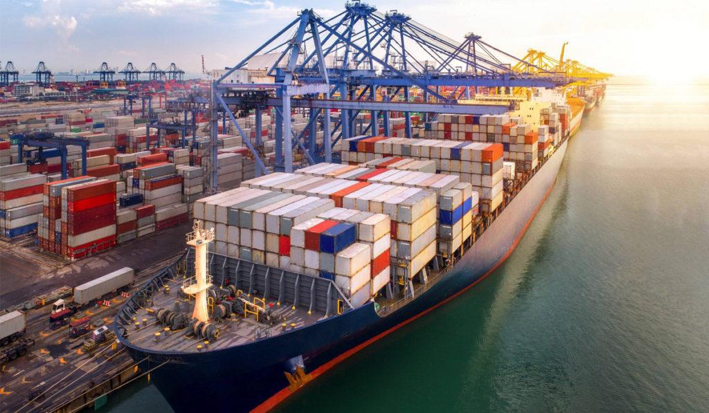 Movimiento de contenedores en puertos navega hacia la recuperación